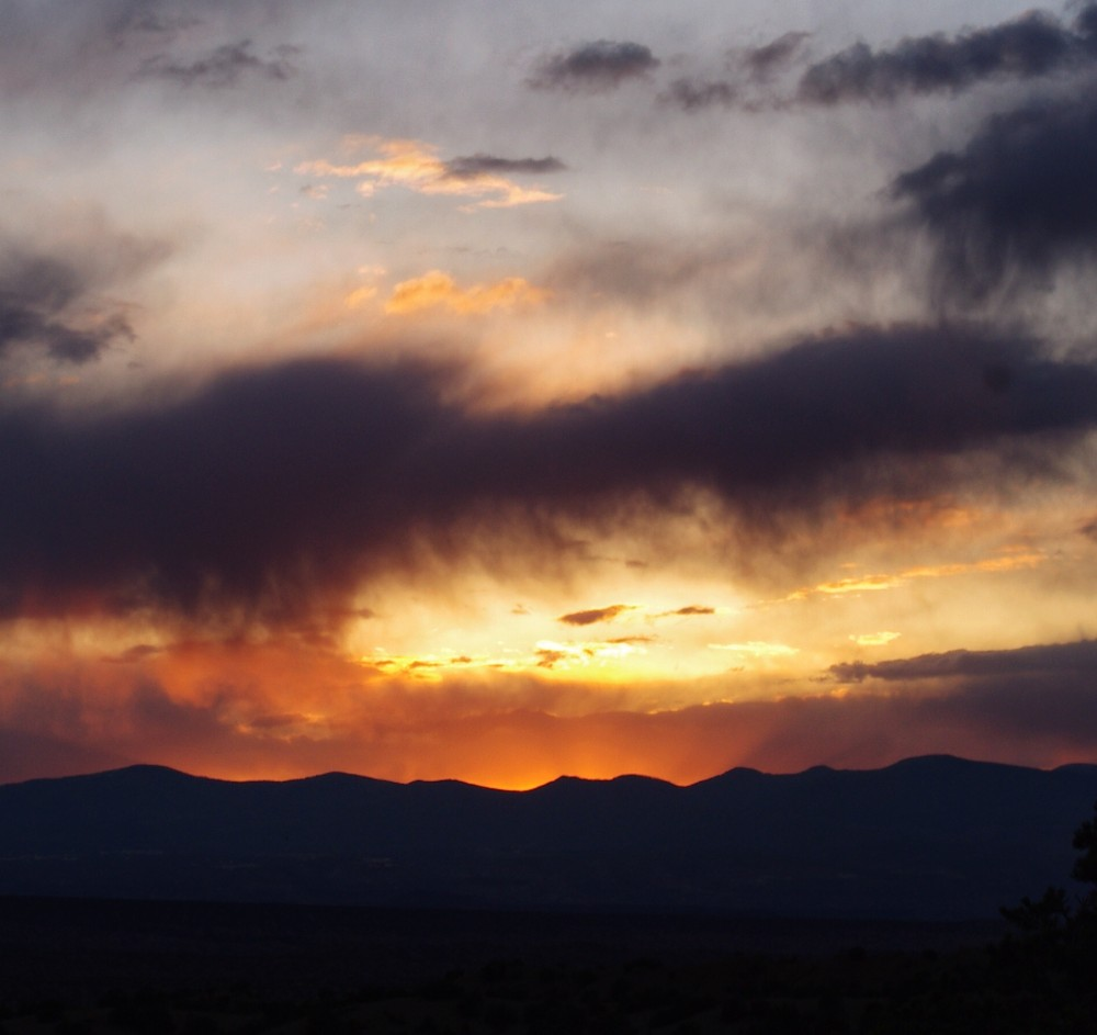 an essay about a glorious sunset No one stays for the sunset's finale  wednesday and the rosary mean the  glorious mysteries marg says, the first glorious mystery, the resurrection   the essays in this issue are strong examples of how writers can blend style and.