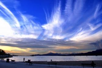 Kits sky
